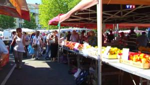 Le 13 heures du 1 juillet 2015 : Sur le marché de Metz, les consommateurs privilégient les produits frais - 1439