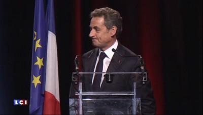 """Les Républicains : """"Moi je""""... Sarkozy charge une nouvelle fois Hollande"""