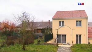 Si Sarah ne détruit pas sa maison, elle devra payer une astreinte de 50€ par jour.