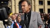 Sarkozy condamne les propos de Luca sur Trierweiler