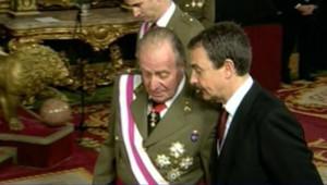 TF1/LCI - Le chef du gouvernement Zapatero et le roi d'Espagne Juan Carlos, le 6 janvier 2007