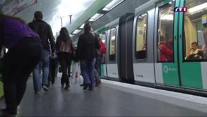 Dans les métros parisiens, des voyageurs inquiets