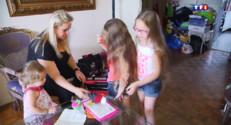 Le 20 heures du 19 août 2014 : Allocation de rentr�scolaire : cette maman touche 720 euros pour trois enfants - 244.395