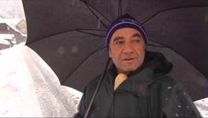 Le 13 heures du 25 février 2015 : Dans les Pyrénées, la pelle a remplacé les skis - 175.36