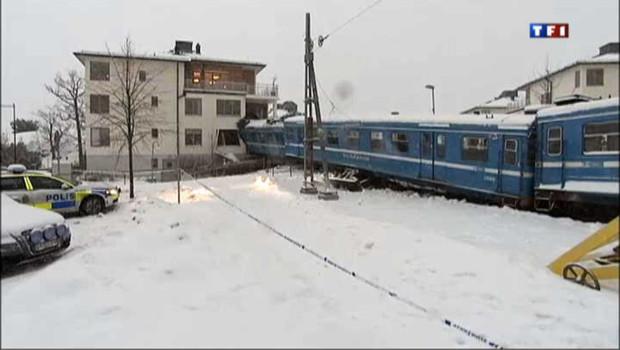 Suède : le train fonce dans immeuble