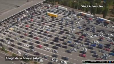 Chassé-croisé du week-end : les bouchons sur l'A8 filmés par drone