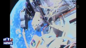 Sortie dans l'espace de deux astronautes de l'ISS