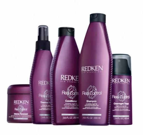 Adieu les frisottis avec les soins lissants pour cheveux de Redken