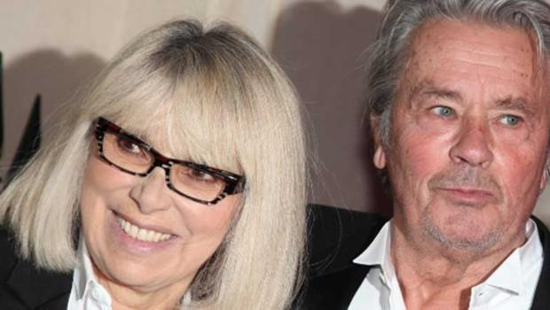 Mireille Darc et Alain Delon, en septembre 2012 à Paris.