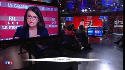 """Cécile Duflot : le gouvernement """"achète"""", """"menace"""" et """"salit"""" les députés"""