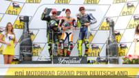 Marc Marquez (Honda) sur la plus haute marche du GP d'Allemagne devant les Yamaha de Cal Crutchlow et de Valentino Rossi