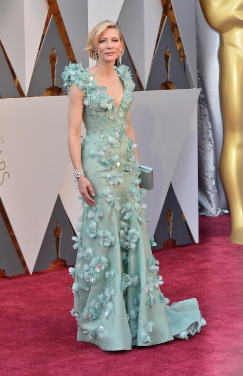 Cate Blanchett sur le tapis rouge des Oscars 2016