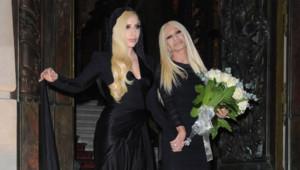 Lady Gaga et Donatella Versace avant le défilé haute couture Atelier Versace, le 19 janvier 2014 à Paris.