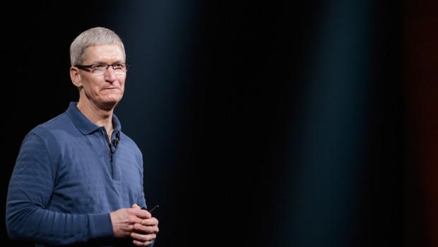 Tim Cook, le directeur général d'Apple lors d'une keynote en 2012