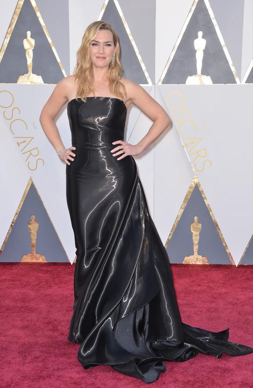 Kate Winslet sur le tapis rouge des Oscars 2016
