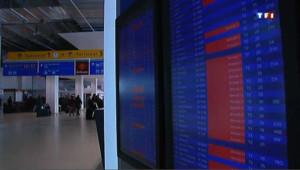 Les départs en vacances sont perturbés en raison d'une grève des agents de sûreté des aérogares.