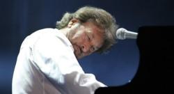 Rick Davies atteint d'un cancer, Supertramp annule sa tournée européenne.