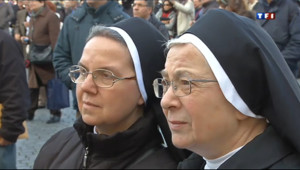 Le 20 heures du 14 mars 2013 : Des fid�s conquis par le nouveau souverain pontife - 598.2949999999998