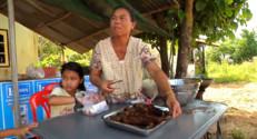 Le 20 heures du 21 décembre 2014 : 10 ans après le tsunami, rencontre avec les pêcheurs rescapés de Ban Nam Khem - 868.974