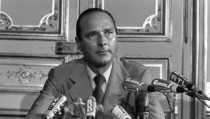 Archives : Jacques Chirac annonce sa démission de son poste de Premier ministre, 25/8/1976