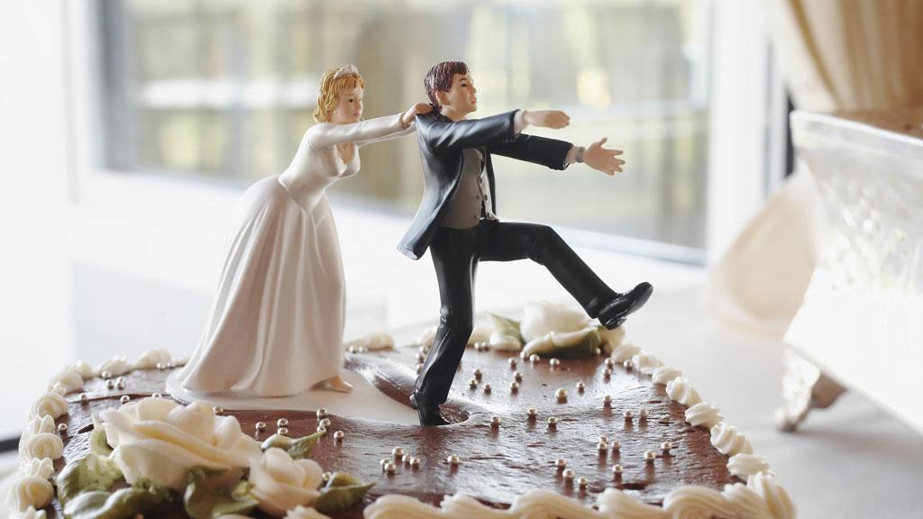 Prix Gateau de Mariage Mariage Couple Gateau Piece