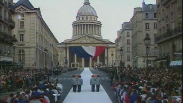 Pierre et Marie Curie entrent au Panthéon en 1995