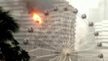 Et soudain, une cabine de la grande roue s'enflamme