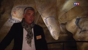 """Le 20 heures du 9 avril 2015 : La Grotte Chauvet : """"Un patrimoine historique"""" - 1926.889"""
