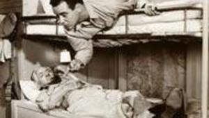 train couchettes hommes vieux film