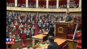 François Fillon ovationné par la majorité à l'Assemblée