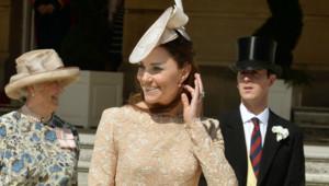 Kate Middleton très bien habillée