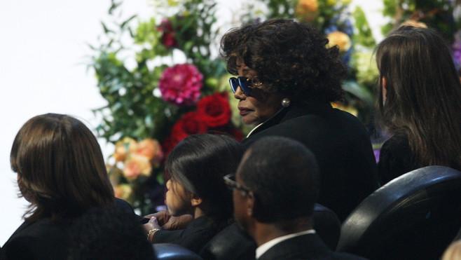 Katherine Jackson et les enfants de Michael Jackson, Paris Katherine, Prince Michael II et Prince Michael lors des funérailles de la star au Staples Center de Los Angeles, le 7 juillet 2009.