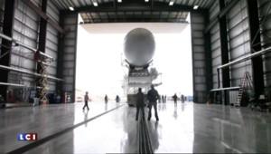 Première mondiale : SpaceX envoie une fusée et la récupère sur terre