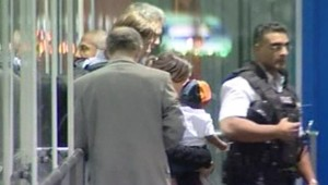 TF1-LCI, Le fils de Madonna arrivé à Heathrow le 17/10/06