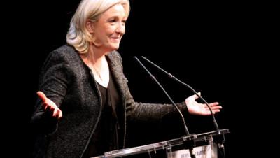 Marine Le Pen en meeting à Reims le 20 février 2014