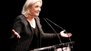 Marine Le Pen en meeting à Reims le 20 février 2014