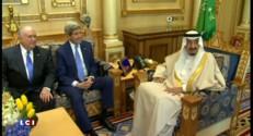"""Syrie : John Kerry parle d'une """"pression militaire"""" contre Bachar al-Assad"""
