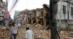Népal : dégâts près de Katmandou, la capitale, après le séisme du 25/4/15
