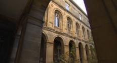 Le 20 heures du 31 octobre 2014 : Bordeaux : un h� de police se transforme en logement social - 1082.324