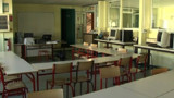Un collégien agresse son prof avec une chaise