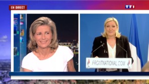 Petits signes de main, blague… Quand Marine Le Pen doit calmer son auditoire