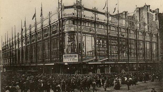 Carte postale de l'inauguration du Grand Bazard, rue de Rennes, en 1907