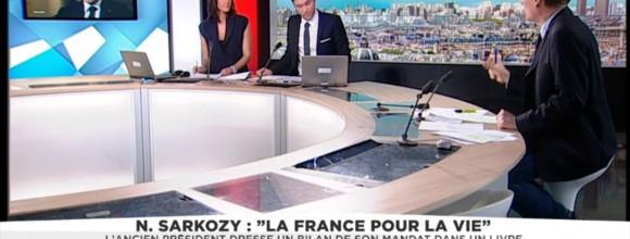 """Casse-toi pauv'con"" : Nicolas Sarkozy ""a urgence à corriger le tir"""