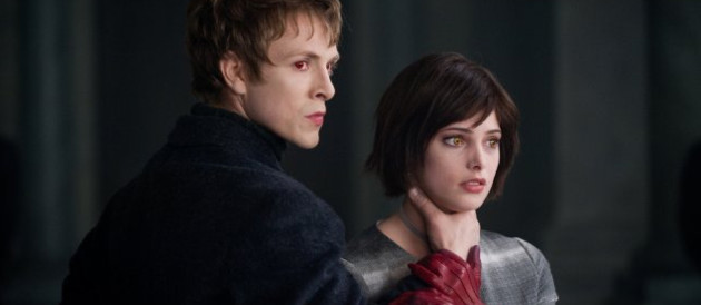 Charlie Bewley et Ashley Greene dans Twilight: Chapitre 2 - Tentation.