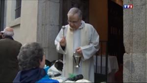 Le 20 heures du 17 janvier 2014 : A Madrid, les animaux de compagnie ont aussi droit �eur b�diction - 1575.855