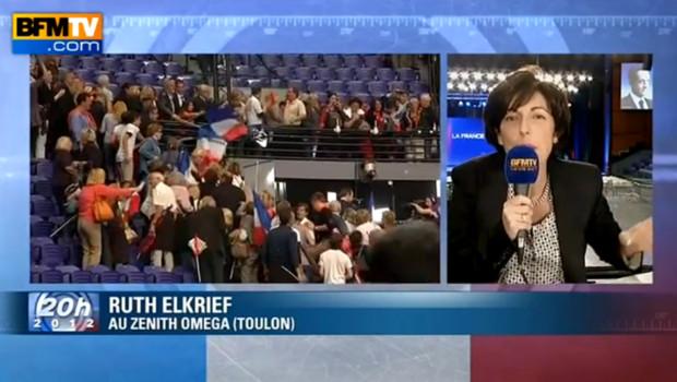 La journaliste de BFM TV, Ruth Elkrief, a été pris à parti lors d'un meeting de Nicolas Sarkozy à Toulon, le 3 mai 2012.