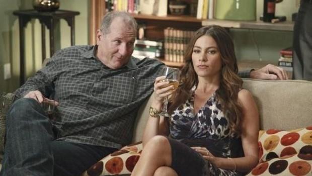 Modern Family - Saison 3. Série créée par Christopher Lloyd (II), Steven Levitan en 2009. Avec : Ed O'Neill, Julie Bowen, Sofia Vergara et Ty Burre