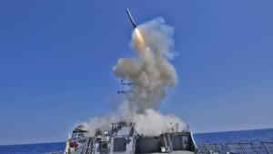 Archives : missile Tomahawk lancé depuis depuis le destroyer USS Barry en mars 2011 pendant la guerre en Libye