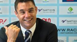 L'international de rugby Dan Carter lors de la conférence de presse de son arrivée au Racing 92 le 27 novembre 2015