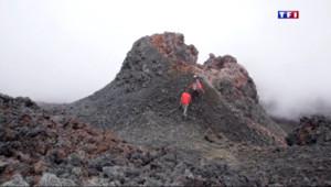 Le 20 heures du 18 mai 2015 : Le Piton de la Fournaise, un volcan chouchouté par les scientifiques - 1820